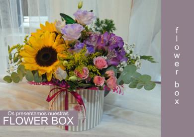 caja con flores.